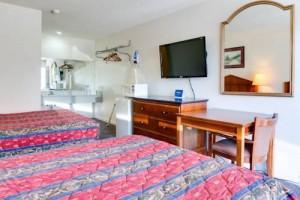Motel Moonlight - 2 Queen Beds