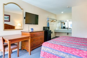 Motel Moonlight - Guest Room with Flat Screen TVs